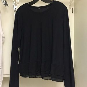 Lululemon black long sleeve shirt